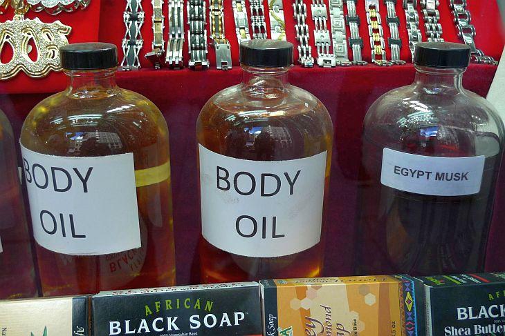 Ароматические масла из Египта вы сможете купить в Каире, когда будете возвращаться после экскурсии на пирамиды