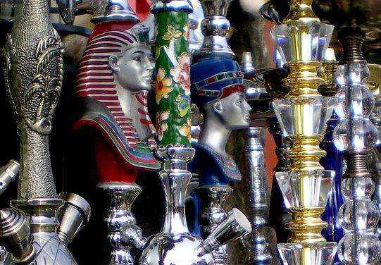 Sheesha (шиша) - называют кальян в Египте