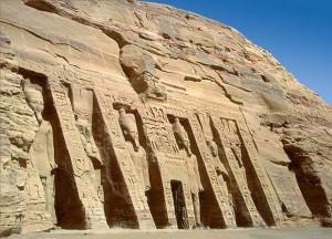 Абу-Симбел. Малый храм в (храм царицы Нефертари). XIX династия. 13 в. до н.э.