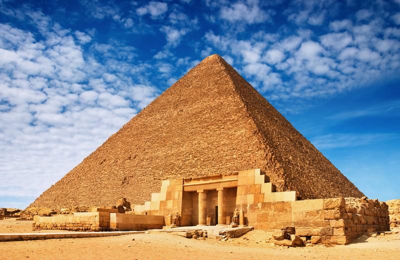 Великая пирамида Хеопса на плато Гиза