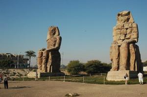 Луксор. Поющие статуи Мемнона