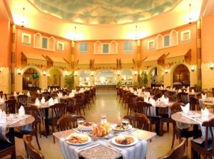 Один из ресторанов отеля