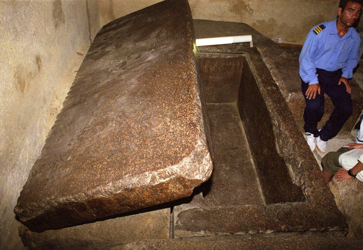 Что внутри пирамиды в египте картинки
