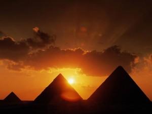 Самая большая из Египетских пирамид — Пирамида Хеопса