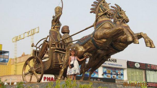 Скульптура «Колесница фараона»
