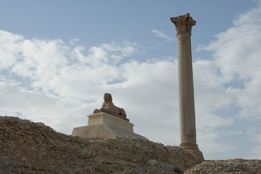 Столп Помпея, Египет