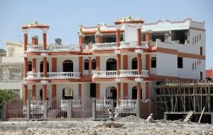 Комплекс вилл «Магавиш-2» располагается в новом строящемся районе Магавиш на юге Хургады всего в 400 м от моря